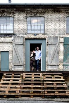 Pallet Staircase Lot 45 Copenhagen/Remodelista.... Would love the pallet stairs for my back yard.