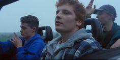 """Ed Sheeran conta um pouco da sua adolescência no clipe de """"Castle On The Hill"""""""
