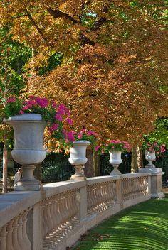 Balcony railing style, for upper terrace. via: Jardin du Luxembourg, Paris Palais Du Luxembourg, Luxembourg Gardens, Beautiful Paris, I Love Paris, Paris Paris, France Travel, City Lights, Wonderful Places, Beautiful Gardens