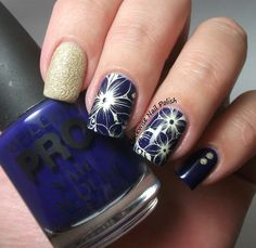 The Clockise Nail Polish: Mollon Pro 195 Blue Beryl Review & In Beauty Manicure