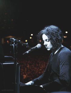 333 photos of Jack White: 87/333