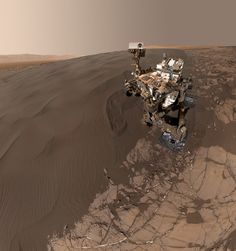 Curiosity rover takes a selfie on a Martian dune