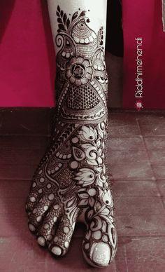 Leg Henna, Leg Mehndi, Legs Mehndi Design, Foot Henna, Stylish Mehndi Designs, Full Hand Mehndi Designs, Mehndi Designs For Girls, Wedding Mehndi Designs, Mehndi Designs For Fingers