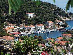 Yacht charters in the Ithaca, Kioni port