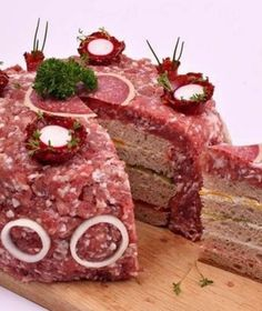 A hit in the net: May we introduce - The Mett-cake! - - A hit in the net: May we introduce - The Mett-cake! Torte Au Chocolat, Sandwich Torte, Gross Food, Party Buffet, Snacks Für Party, Food Decoration, Food Humor, Recipe Of The Day, Creative Food
