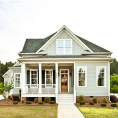 New exterior paint cottage southern living ideas Cute House, Tiny House, Cottage House, Craftsman Cottage, Craftsman Style, Style At Home, Exterior Paint, Exterior Design, Exterior Colors