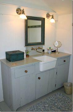 {Summer House in Nantucket Restored by Nancy Fishelson } Cote de Texas