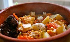 kleftiko Thai Red Curry, Pork, Food And Drink, Ethnic Recipes, Inspiration, Kale Stir Fry, Biblical Inspiration, Pork Chops, Inspirational