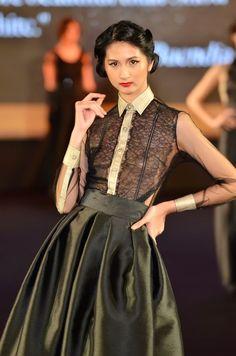 Via tumblr Event Dresses, Ball Dresses, Cute Dresses, Fashion 101, Asian Fashion, Modern Filipiniana Gown, Debut Gowns, Filipino Fashion, Short Gowns
