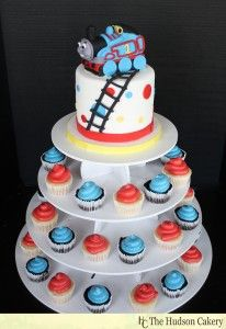 cool idea for TJ's little cake and then just cupcakes