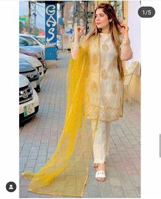 Pakistani Party Wear Dresses, Beautiful Pakistani Dresses, Shadi Dresses, Pakistani Dress Design, Pakistani Suits, Pakistani Bridal, Party Dresses, Casual Formal Dresses, Stylish Dresses