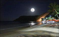 Espetacular foto de lua cheia na praia de Ponta Negra / Spectacular photo of the full moon on the beach of Ponta Negra.