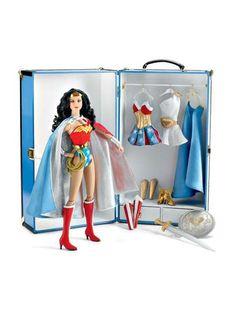 WONDER WOMAN Deluxe Trunk Set