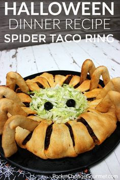 HALLOWEEN DINNER IDEAS -- This fun kid-friendly Spider Taco Ring is fun to make and eat!