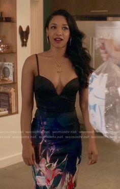 Iris's floral plunge-neck dress on The Flash Beautiful Celebrities, Beautiful Actresses, Candace Patton, Iris West Allen, Afro, The Flash Grant Gustin, Asos Petite, Beautiful Black Women, Beautiful Eyes