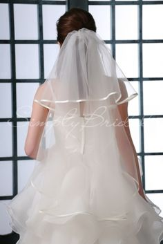 #87132 - Two-Tier 35 Satin Piping Veil