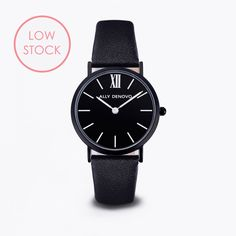This Mini New Vintage model features an ultra thin case with a 30 mm diameter, crafted with precision for a sophisticated and elegant. A black case and dial are combined with a black leather strap, detailed with a black clasp. Vintage Rose Gold, Vintage Black, Vintage Models, Black Women, Black Leather, Mini, Accessories, African Women, Black Girl Aesthetic