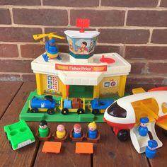 Vintage Fisher Price Little People AIRPORT #2502 Jetport Jet Airplane COMPLETE | eBay