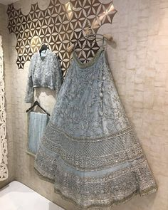 All Ethnic Customization with Hand Embroidery & beautiful Zardosi Art by Expert & Experienced Artist That reflect in Blouse , Lehenga & Sarees Designer creativity that will sunshine You & your Party Worldwide Delivery. Indian Bridesmaid Dresses, Indian Wedding Gowns, Indian Bridal Outfits, Indian Designer Outfits, Gown Wedding, Indian Wedding Clothes, Lehenga Wedding Bridal, Wedding Ceremony, Backless Wedding