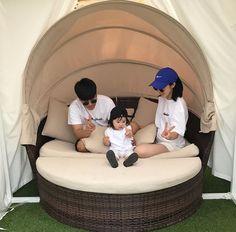 Cute Asian Babies, Korean Babies, Cute Babies, Cute Family, Baby Family, Family Goals, Ulzzang Kids, Ulzzang Couple, Baby G