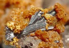 Hutchinsonite-Orpiment-Mrz277B