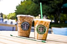 starbucks frappuccino knock-off Starbucks Recipes, Starbucks Drinks, Starbucks Coffee, Hot Coffee, Coffee Break, Coffee Drinks, Starbucks Caramel, Fruit Drinks, Yummy Drinks
