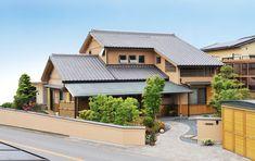 きらめきの家 華な Cabin, Mansions, House Styles, Home Decor, Decoration Home, Manor Houses, Room Decor, Cabins, Villas