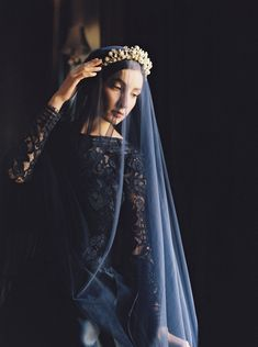 Gorgeous navy wedding gown with sheer veil | 2016 Sareh Nouri Collection via @alowcountrywed, pics by laura gordon