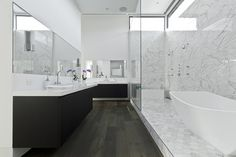 Southampton - modern - bathroom - houston - C O N T E N T Architecture