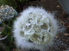 Brooch Bouquet Hollywood Vintage Bling  LOvE it.