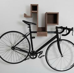 The Pedal Pod - nice idea.. place for my helmet, gloves, cleats, sunnies,...