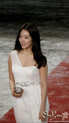 PARK ShinHye 박신혜 #korean So natural and gorgeous!
