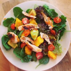 Mango & Chili Salad from Michelle Bridges Skinny Recipes, Clean Recipes, Whole Food Recipes, Dinner Recipes, Cooking Recipes, Healthy Recipes, Skinny Meals, Healthy Family Meals, Low Calorie Recipes