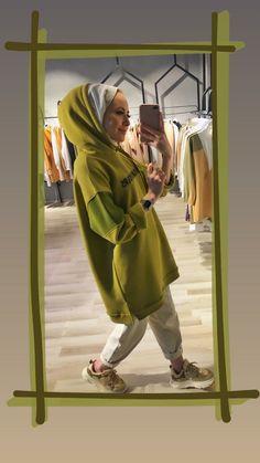 Modest Fashion Hijab, Street Hijab Fashion, Casual Hijab Outfit, Hijab Chic, Vest Outfits, Muslim Women Fashion, Cool Girl Pictures, Tracksuit Set, Muslim Girls