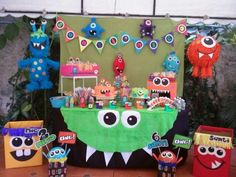 Diseños para cumpleaños infantiles | Tendencias 2019 Monster First Birthday, Monster 1st Birthdays, Monster Birthday Parties, 1st Birthday Girls, First Birthdays, Birthday Party Decorations, Party Themes, Halloween Infantil, Little Monster Party
