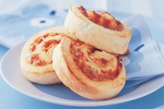 Bacon Scrolls-----If you have the same lunch every day, or the kids' sandwiches keep coming back, take heart. With this new idea, the school lunch-box will never be the same again! Preparation: 0:15, Cook: 0:20, Ingredients: 8, Difficulty: Easy, Average Rating: 4 out of 5 stars.