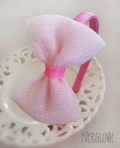 Glitter Tulle Bow Headband | Glitter Tulle Bow Headband! #handmade #tulle #bows #accessories #headband #everglowe   Στέκα με Τούλινο Φιόγκο! #τούλι #φιόγκος #φιόγκοι #everglowe