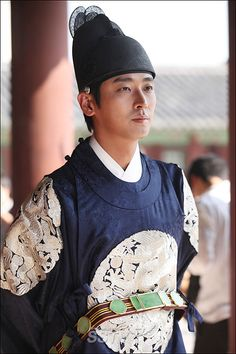 I Am a King (Hangul: 나는 왕이로소이다; RR: Naneun Wangirosoida; MR: Nanŭn wangirosoida, also known as I Am the King) is a 2012 South Korean historical comedy film, starring Ju Ji-hoon, Park Yeong-gyu. The film is inspired by The Prince and the Pauper and is set in the Joseon Dynasty, with Joo playing the dual roles of king and beggar. It was released on August 8, 2012 and ran for 120 minutes. 주지훈