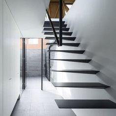 Design by APOLLO Architects & Associates. ///  Diseño por APOLLO Arquitectos & Asociados. #d_signers #Staircase