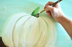 You can paint a pumpkin canvas, art skills not required! Step by step instructions! Pumpkin Canvas Painting, Canvas Painting Projects, Autumn Painting, Autumn Art, Painting Lessons, Painting Tips, Painting Techniques, Scrape Painting, Fall Paintings