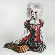 halloween makeup ideas Halloween-Make-up-Ideen Costume Halloween, Clown Costume Women, Scary Clown Costume, Gruseliger Clown, Halloween Circus, Fete Halloween, Scary Clowns, Halloween 2019, Halloween Make Up