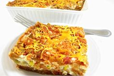 Skinny Lasagna Ole` - 6 WWP Points: This fantastic Mexican layered casserole is both hearty and healthy! It's loaded with lean protein from the chicken, reduced-fat cottage cheese and fat free re-fried beans. It's perfect f… Skinny Recipes, Ww Recipes, Mexican Food Recipes, Cooking Recipes, Healthy Recipes, Healthy Food, Healthy Eating, Healthy Munchies, Recipes