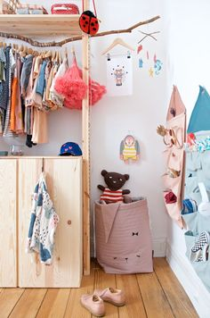 DIY wardrobe Ikea Ivar fast and cheap The post Imprivisierter Wardrobe with IVAR – cheap and fast made appeared first on Woman Casual - Kids and parenting Baby Room Decor, Home Decor Bedroom, Kids Bedroom, Bedroom Ideas, Master Bedroom, Cool Bedrooms For Boys, Diy Wardrobe, Kids Room Organization, Kid Spaces
