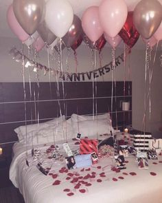 Romantic Valentines Days Home Decor for Your Boyfriend or Husband. Romantic Bedroom Ideas For Valentines Day Birthday Room Decorations, Anniversary Decorations, Year Anniversary Gifts, Valentines Day Decorations, Anniversary Ideas, Happy Anniversary, Anniversary Surprise For Him, Romantic Valentines Day Ideas, Romantic Anniversary