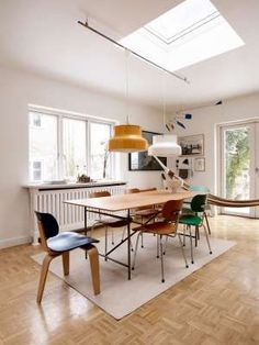 """*Table and chairs:* by Ibsen's brand, Please Wait To Be Seated. """"The table frame and chairs are a design by [German Functionalist architect] Egon Eiermann. I made the Oregon pine top myself. Home Decor Kitchen, Kitchen Interior, Casa Feng Shui, Table And Chairs, Dining Table, Magazine Table, 1950s Design, Table Frame, Mid Century House"""