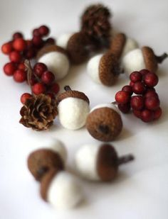 Felted Acorns - set of 10 in snow white – Supermarket