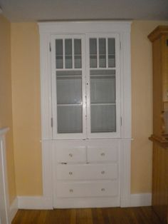 1000 images about dish hutch on pinterest sherwin for Built in dining room cabinet designs