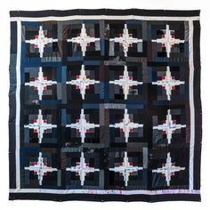 """Log Cabin quilt by Luke Haynes, part of the """"Quilts of Donald Judd"""" exhibit; photo by Virginia Wilcox Log Cabin Quilts, Log Cabins, Walking Foot Quilting, Pineapple Quilt, Foundation Paper Piecing, Color Studies, English Paper Piecing, Buy Fabric, Scrappy Quilts"""