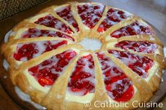 Cherry Cheese Coffee Cake recipe featured on DesktopCookbook. Ingredients for this Cherry Cheese Coffee Cake recipe include Cake & Filling, 2 pkgs refrigerated crescent rolls, 8 oz cream cheese, and cup powdered sugar. Create your own online recipe box. Pampered Chef Recipes, Cooking Recipes, What's Cooking, Cream Cheese Crescent Rolls, Cresent Rolls, Cream Cheese Coffee Cake, Coffe Cake, Canned Cherries, Frozen Cherries