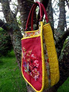 http://www.yorkette45.canalblog.com  : Les cousettes brodées de Yorkette - Sac BROCELIANDE Gupsy (1)